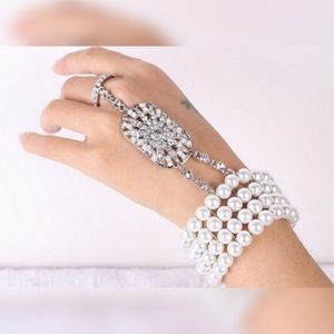 Jewelry - Great Gatsby Crystal Handlet